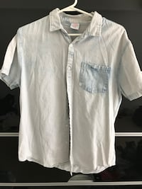 Button up Shirt Size Large Mississauga, L5B 4N4