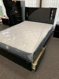 white and gray bed mattress 马卡姆, L3R