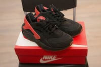 "Nike Air Huarache ""Love/Hate"" Pack Size 9.5 Toronto, M6A"