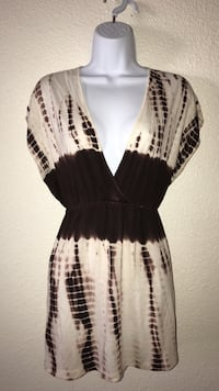 Medium Women's black and white plunging mini dress