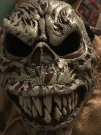 Monster mask with movable mouth