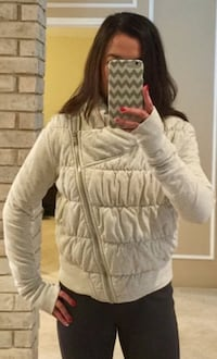 Lululemon Rejuvenate Jacket  St. Thomas, N5R 0E7