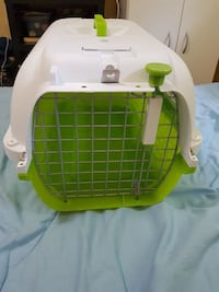Medium dog cage used once Guelph, N1H 1W2