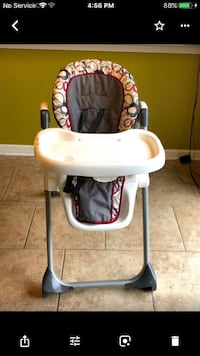 baby's white and black high chair Warren, 48093
