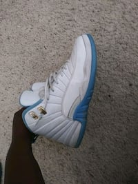 unpaired white and blue Air Jordan 12 shoe Bakersfield, 93311