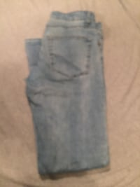 Blue and white denim jeans Bakersfield, 93307
