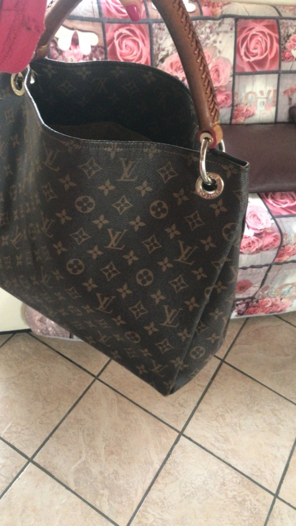 6d1cd78d09 Used Borsa louis vuitton for sale in Napoli - letgo