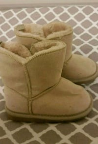 Baby fur lined boots Calgary, T3N 0E4