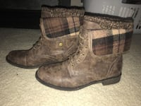 pair of brown leather boots Portsmouth, 23704