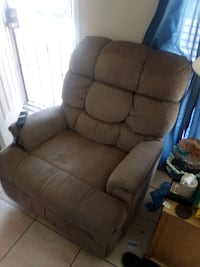 Lazy Boy Lift Chair, Lyft does not work needs remote control