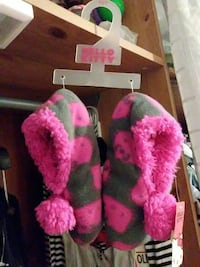 Hello kitty slippers size 13-1 Bronx, 10458