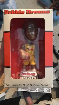 1 / 100 Vince Carter bobble head   Toronto, M2L 2W2