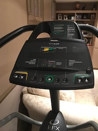 Precor elliptical trainer - excellent condition Hampstead, H3X 3G3