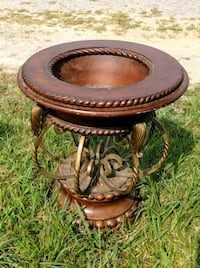 Antique table base Crossville, 38555