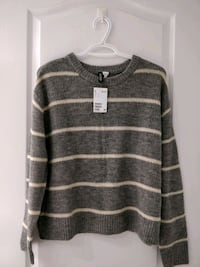 BNWT H&M Sweater (Medium)