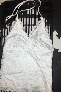 Dynamite Halter Top- White Mississauga, L5A 3H7