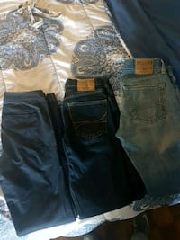 2 Hollister Skinny Jeans and Pants, Size 30×32 Waterloo, N2L 3G8