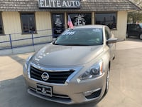 Great buy 2015 Nissan Altima going 13,995  Visalia, 93292