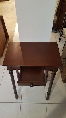 brown wooden 1-drawer side table