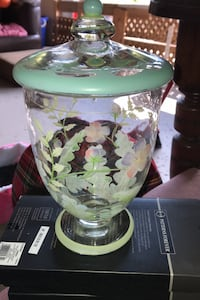 Glass painted jar with removable lid Bradford, L3Z 3E2