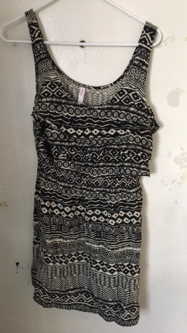 9aba0df081f0a Used black and white tribal print tank top for sale in Sunnyvale - letgo