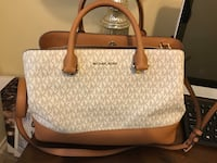 Like new authentic MK bad  Beaumont, 77705