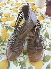 Summer sandals size 9 Richmond Hill, L4C 0P1