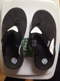 Brand new with tags ladies Size 7 Reef Sandals