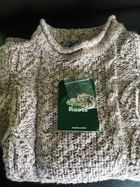 $20 Roots 4T knit top Toronto, M9A 2S1