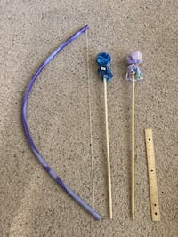 Frozen bow and arrow set