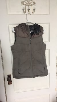 The North Face Puffer Vest  Stanwood, 98292