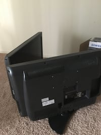"""Two 32"""" LG Flat Screen District Heights, 20747"""