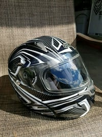 black and white full-face helmet New Tecumseth, L9R 1V2