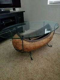 Canoe Coffee Table and end tables Bakersfield, 93312