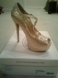 Steve madden gold sequence shoes 8 mi