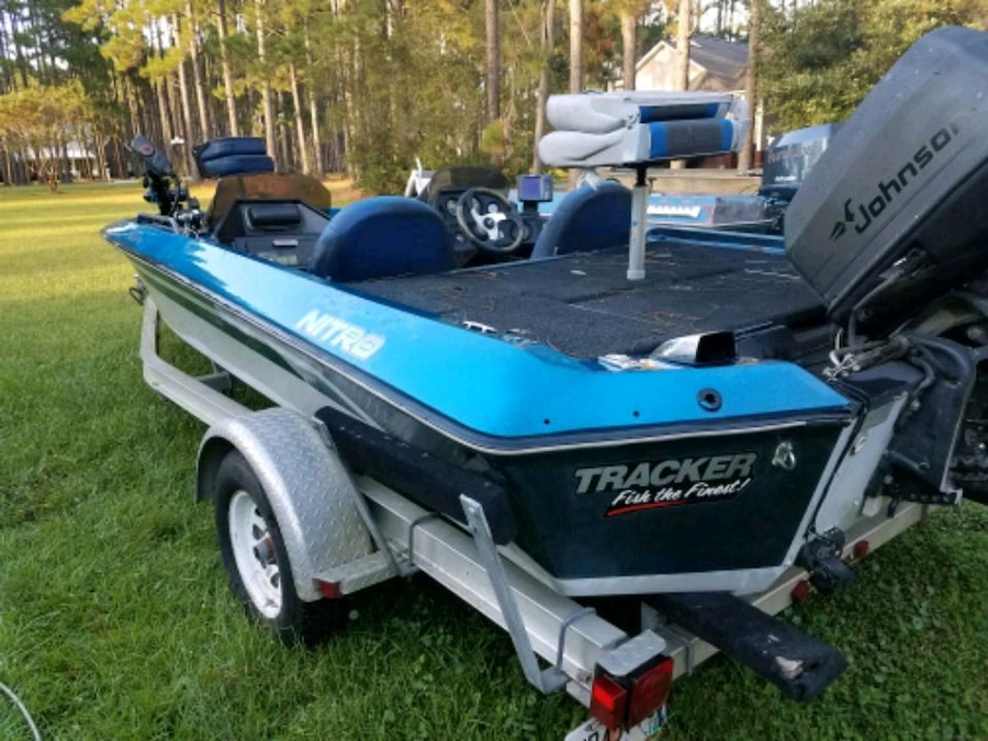 Photo 89 NITRO BASS BOAT & TRAILER