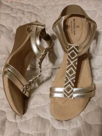 ARCH  SUPPORT - RUBBER SOLES size 10 GOLD & WHITE BEAD Sandal shoe NEW