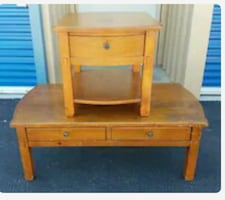 Vintage Broyhill coffee table/matching end table