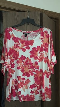 women's white and red floral printed top