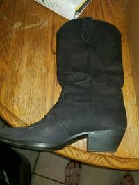 Womens black boots (Size 8.5) Maize, 67101