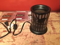 Plug in candle warmer and 3 packs of wax melts Mississauga, L5N 8H6