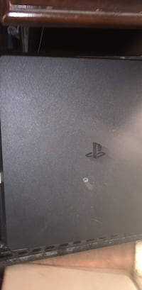 PS4 slim Louisville, 40212