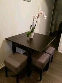 Extending table and stools Barrie