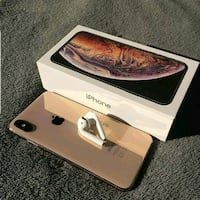 Gold iPhone xs Max for sale  Toronto, M5G 2C4