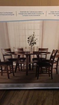 rectangular brown wooden table with six chairs dining set Thousand Oaks, 91360