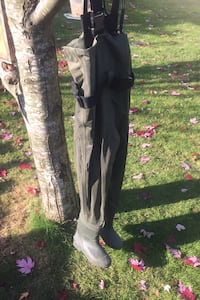 Chest waders size 7