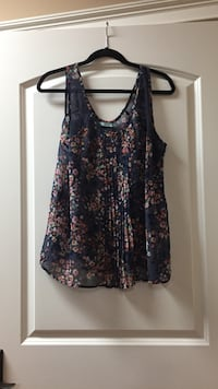 Floral top  Morristown, 37813