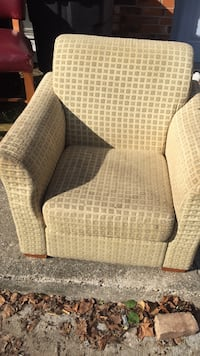 brown and white fabric sofa chair Baton Rouge, 70820