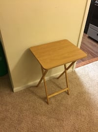 Foldable side table Silver Spring, 20910