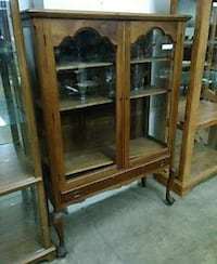 China cabinet Mount Holly, 08060